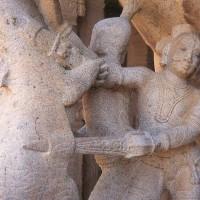Рис. 13. Два кинжала джамдхар против хищника. Южная Индия, XVI век